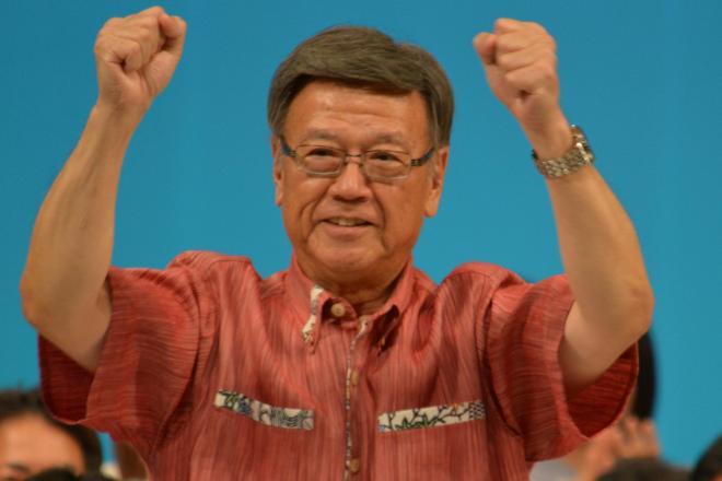 翁長候補の当選を機に、沖縄は基地依存経済からの脱却を
